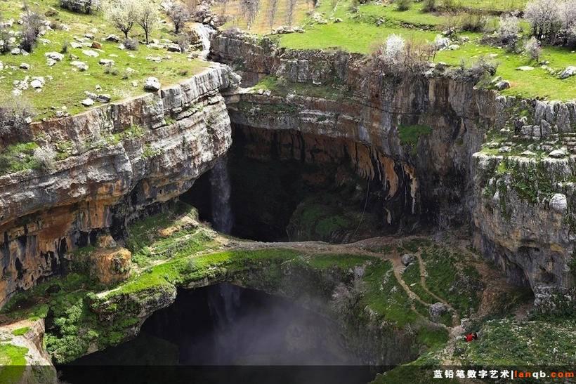 黎巴嫩Tannourine的Baatara峡谷瀑布