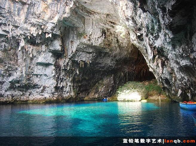 希腊凯法利尼亚岛上的Melissani岩洞