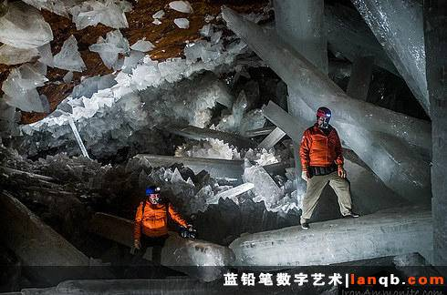墨西哥奈卡的巨大水晶洞