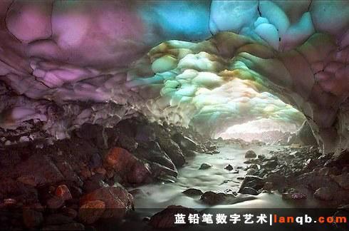 俄罗斯堪察加半岛的冰洞